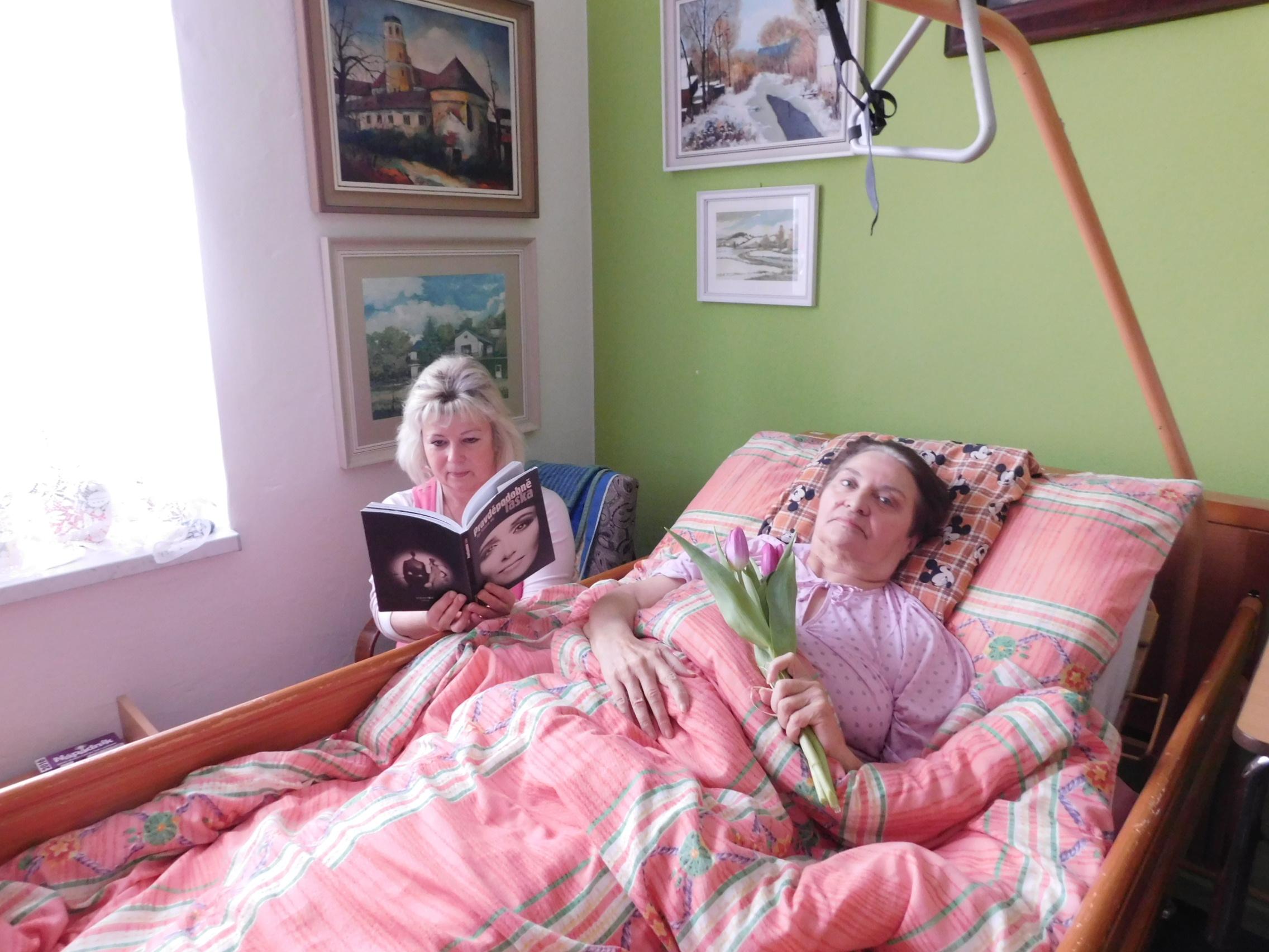 Domácí zdravotní služba je zajištěna kvalifikovanými zdravotními sestrami