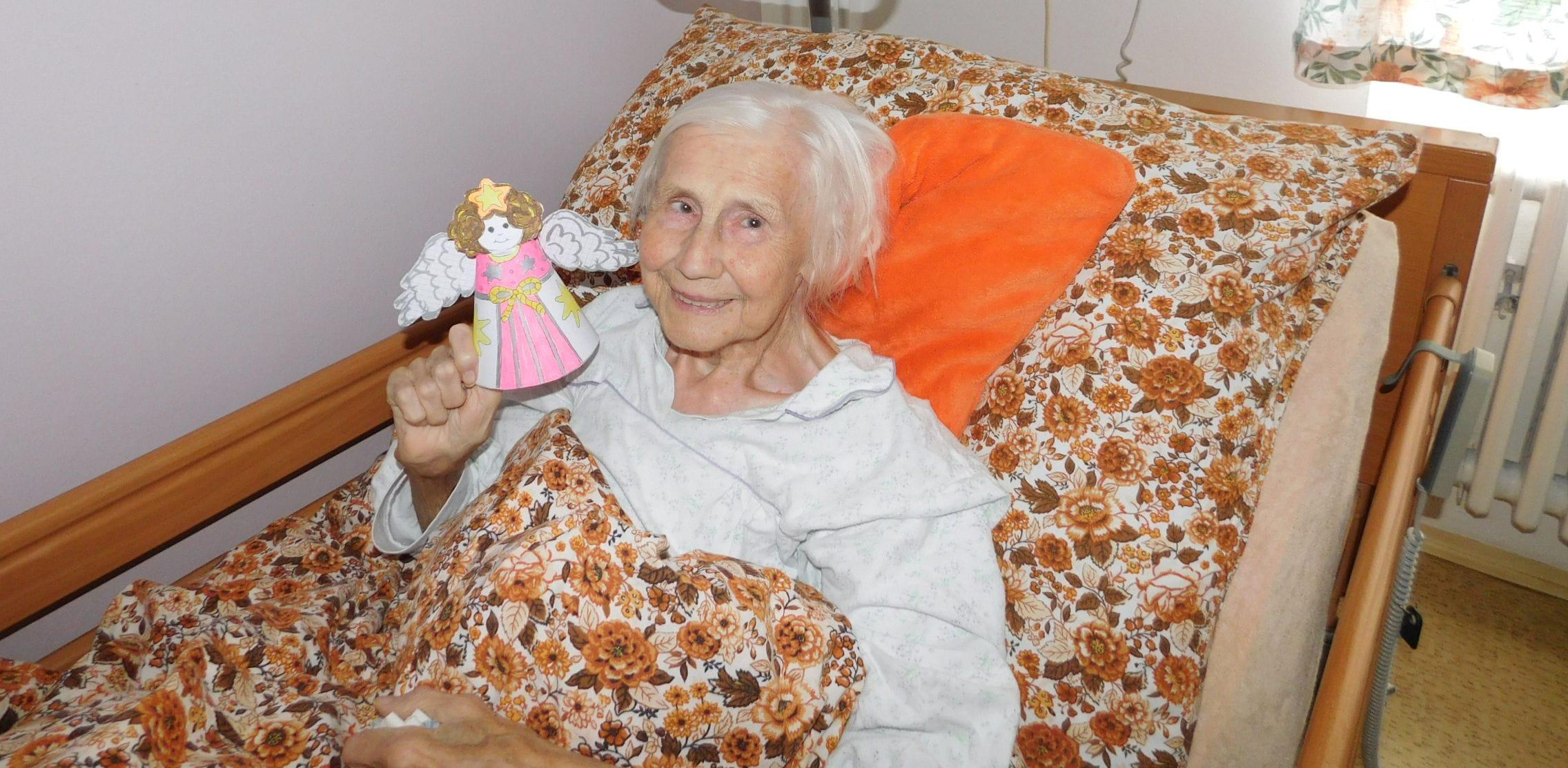 Domácí hospicová péče poskytuje komplexní služby v domácím prostředí