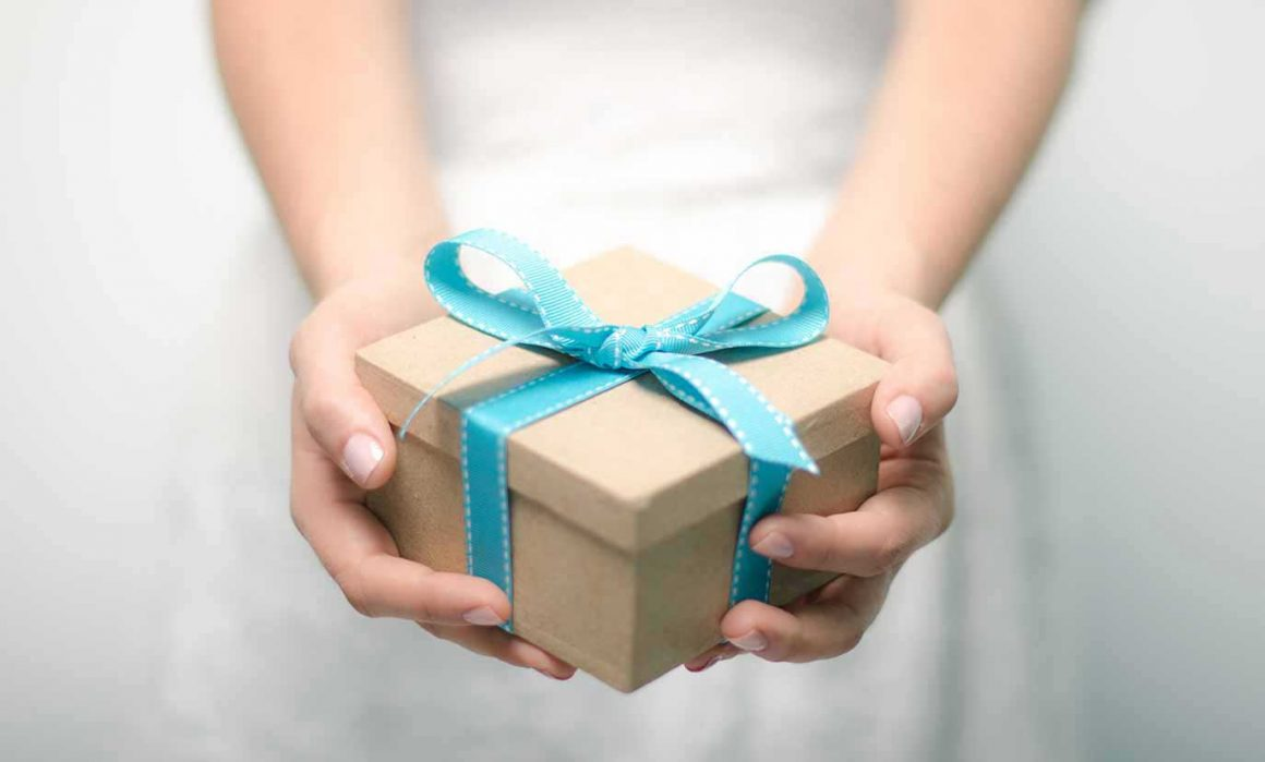 Dobročinný obchod RUAH - Věnujte dárek, který udělá radost i pomůže